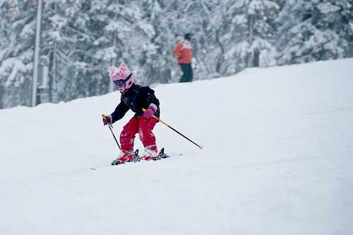 Når poden skal lære å stå på ski